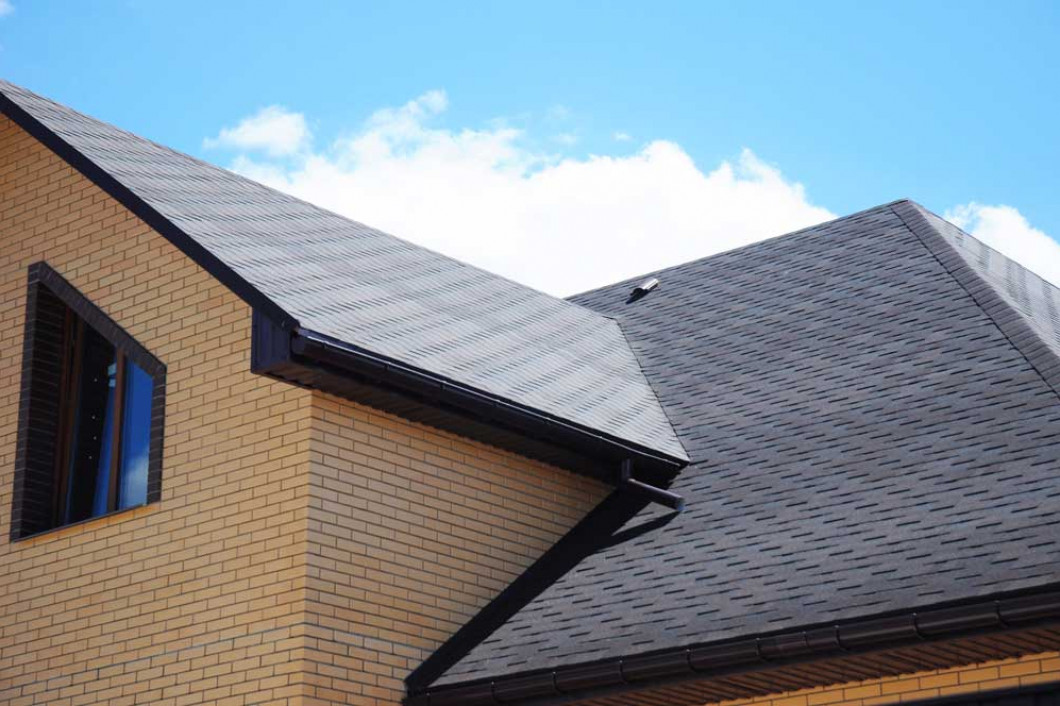 Roof Cleaning & Roof Washing Services From AVP Contractor Inc.